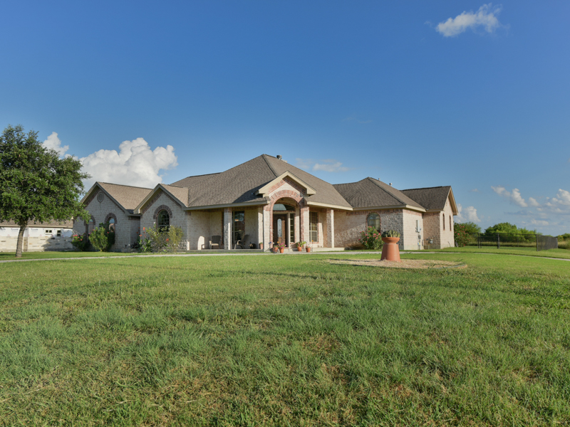 Property For Sale at Gorgeous One-Story in Quail Run