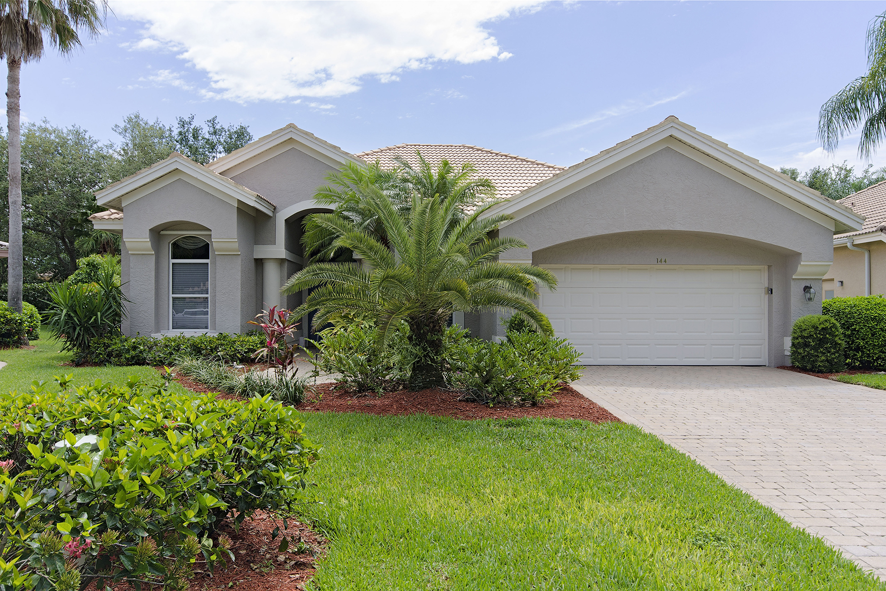 Vivienda unifamiliar por un Venta en Oak Colony 144 Spring Lake Cir Vineyards, Naples, Florida, 34119 Estados Unidos
