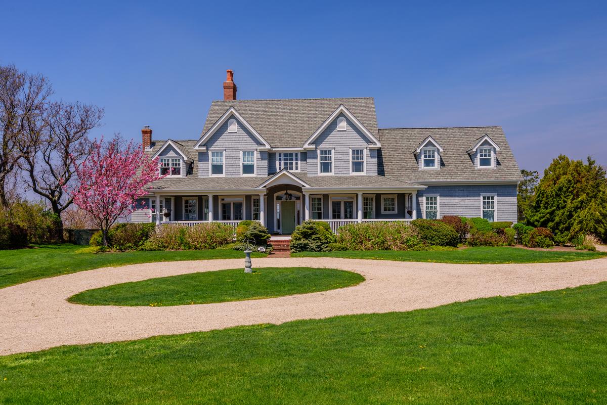 Villa per Vendita alle ore Colonial 8871 Oregon Rd Cutchogue, New York 11935 Stati Uniti