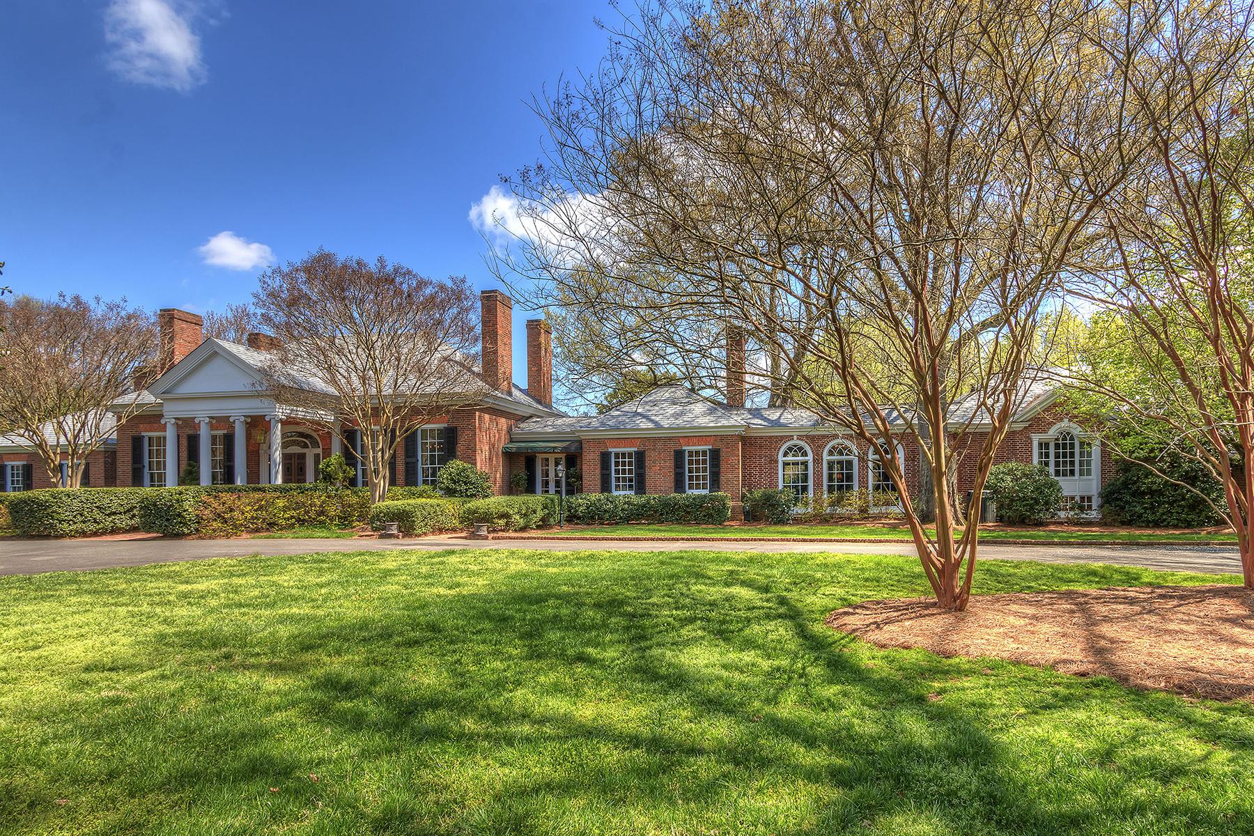 단독 가정 주택 용 매매 에 HAMPTON MANOR 3600 Hampton Manor Dr Charlotte, 노스캐놀라이나 28226 미국