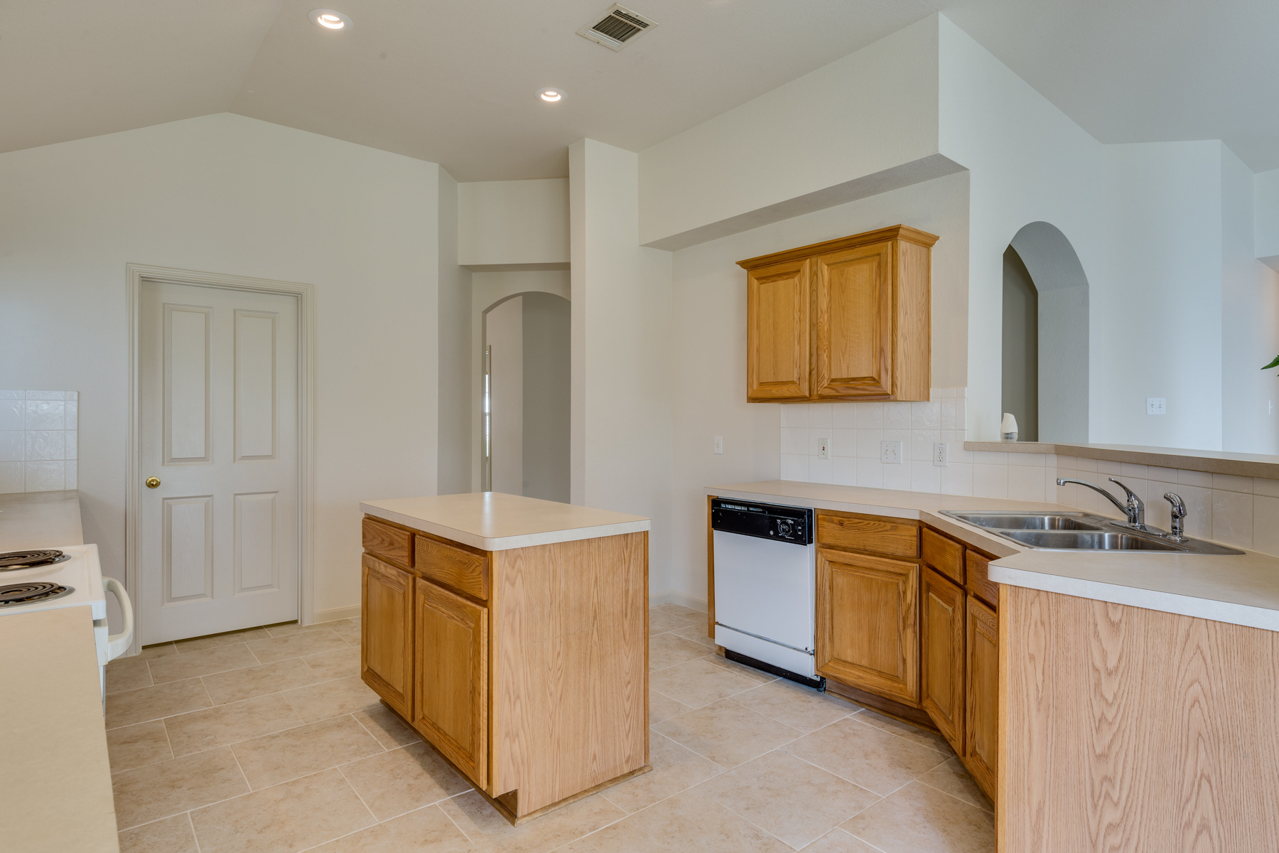 Additional photo for property listing at Beautiful One-Story Home in Creekview Estates 11046 Wilson Oaks San Antonio, Texas 78249 United States