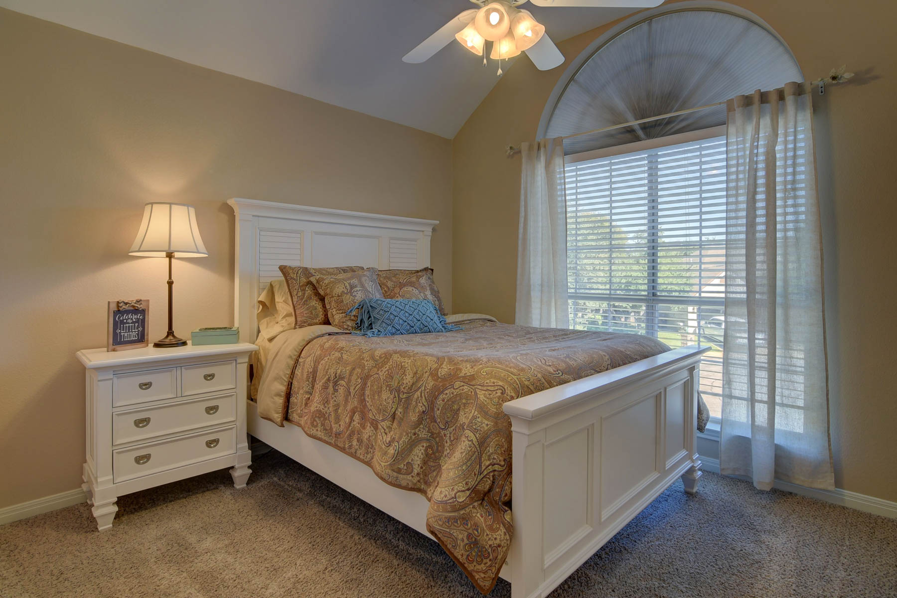 Additional photo for property listing at A Show Stopper in Canyon Creek Bluff 17415 Canyon Breeze Dr San Antonio, Texas 78248 Estados Unidos