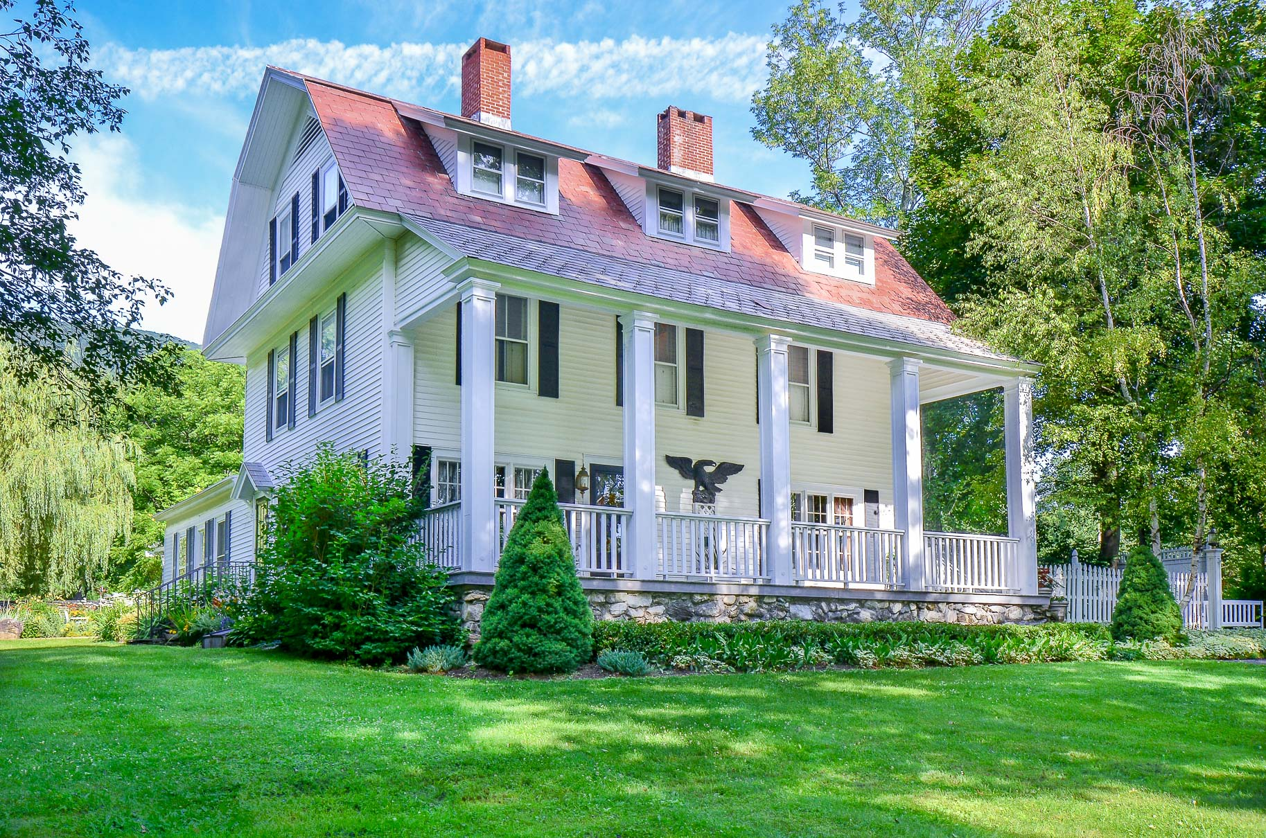 Single Family Home for Sale at Manchester Village Colonial 731 West Rd Manchester, Vermont, 05254 United States