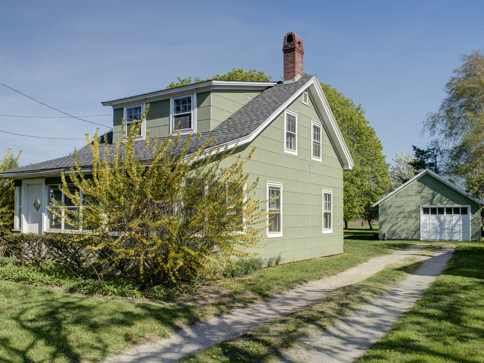 Single Family Home for Sale at Farmhouse 23650 Main Rd Orient, New York 11957 United States