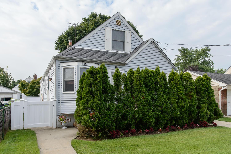 Casa para uma família para Venda às Cape 355 Belmont Ave West Hempstead, Nova York 11552 Estados Unidos