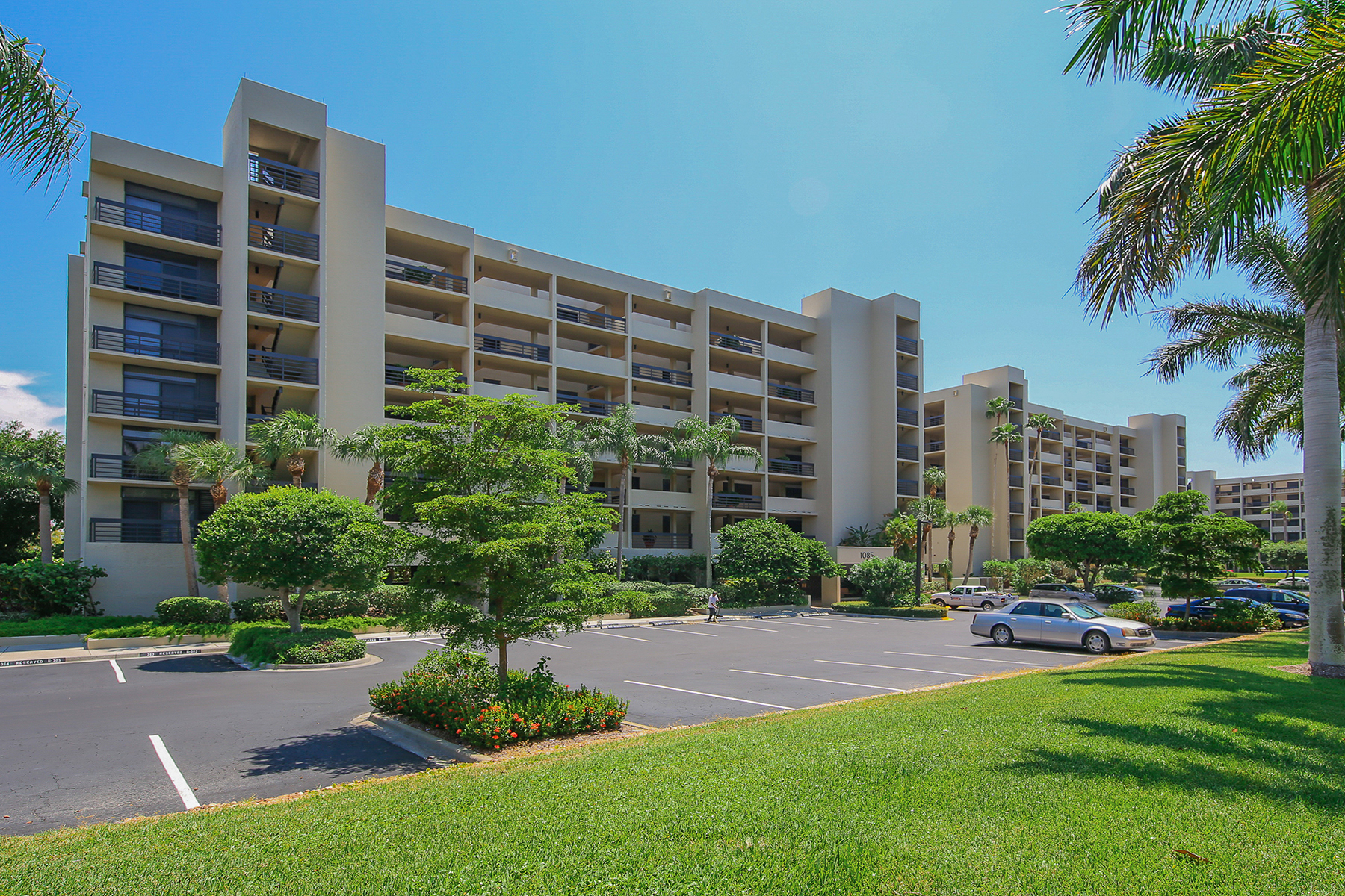 sales property at BEACHPLACE