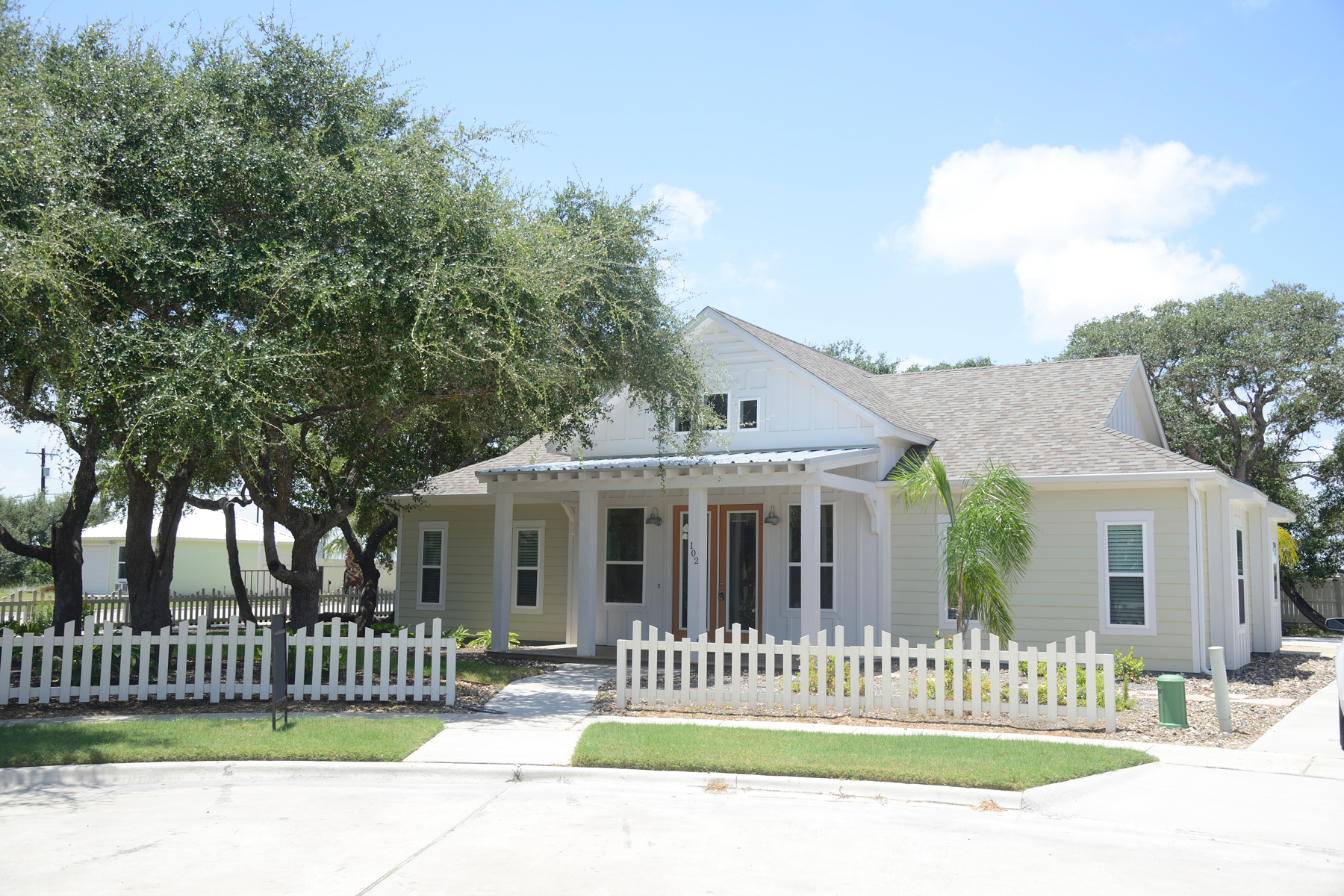 Single Family Home for Sale at Lovely Home in Rockport 102 Boardwalk Ave Rockport, Texas 78382 United States