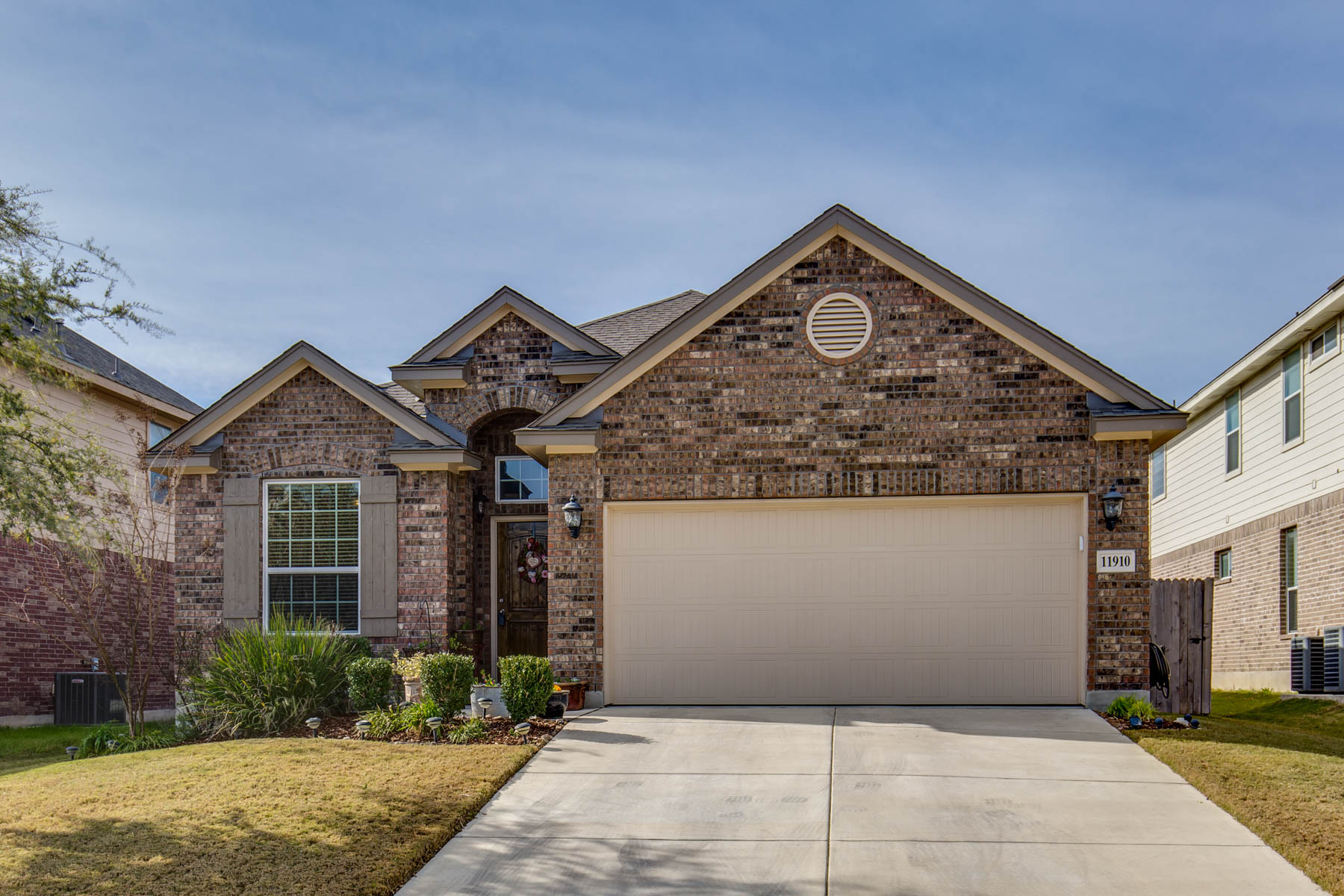 Property For Sale at Single-Story home in The Hills at Alamo Ranch