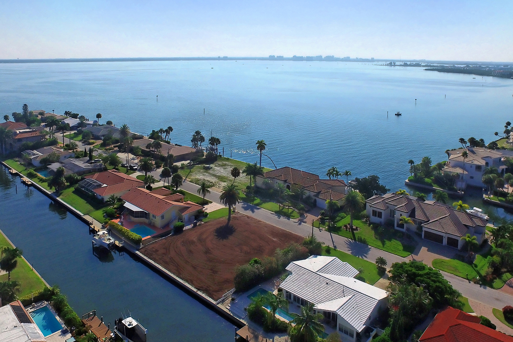 Land for Sale at COUNTRY CLUB SHORES 585 Halyard Ln 8 Longboat Key, Florida 34228 United States