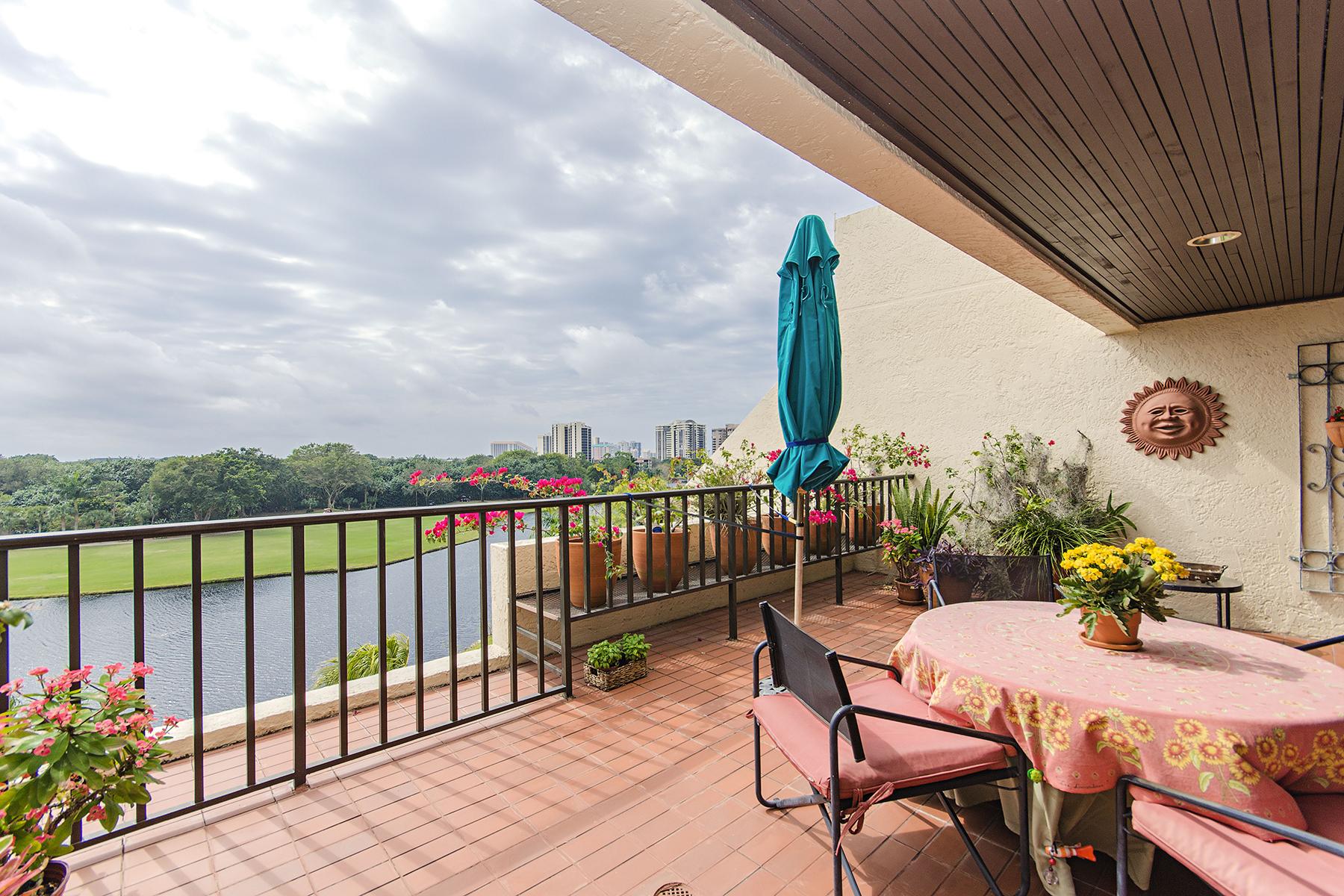 共管物業 為 出售 在 Pelican Bay 6360 Pelican Bay Blvd C-PH6 Naples, 佛羅里達州, 34108 美國