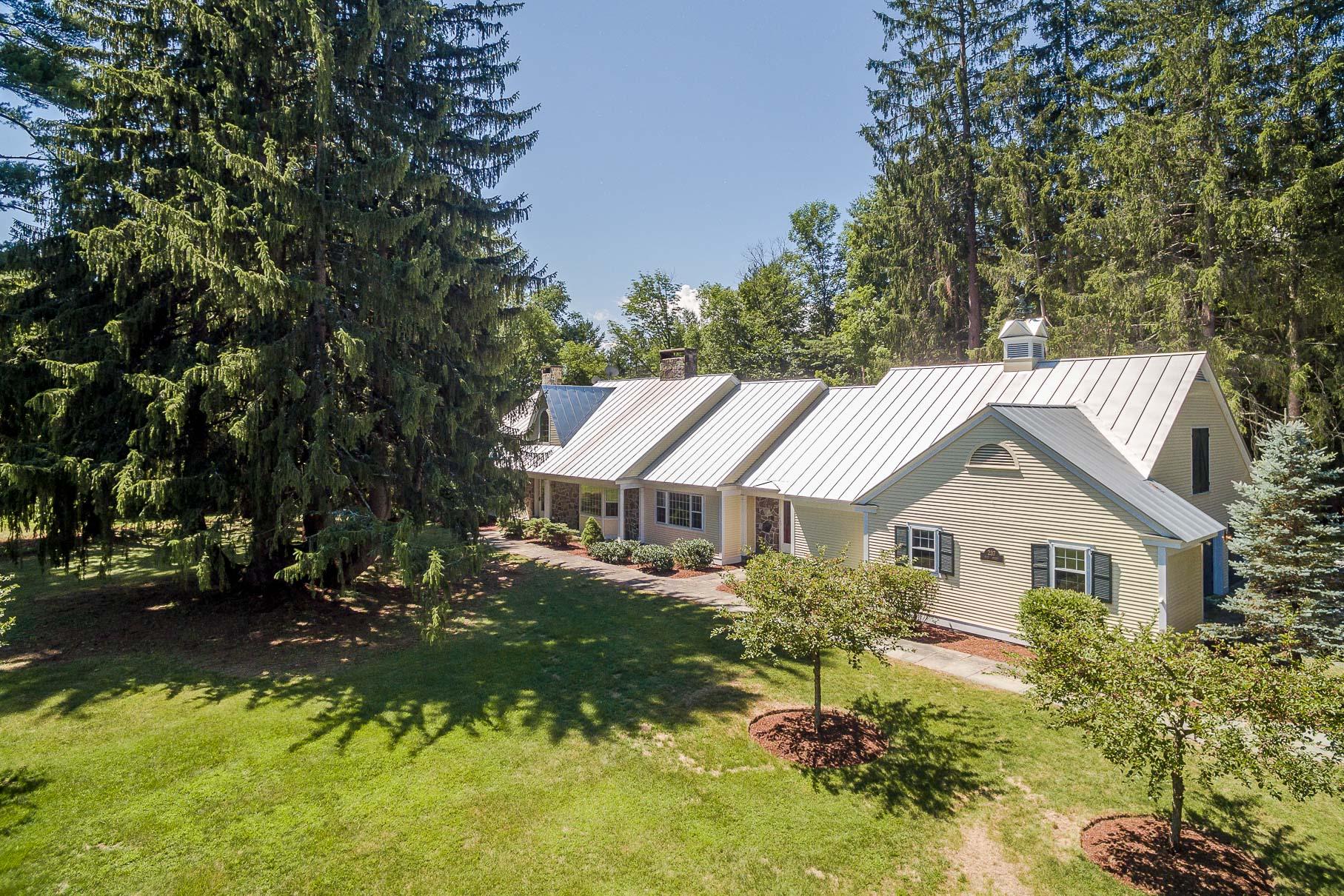 Maison unifamiliale pour l Vente à 237 Main St, Norwich Norwich, Vermont, 05055 États-Unis