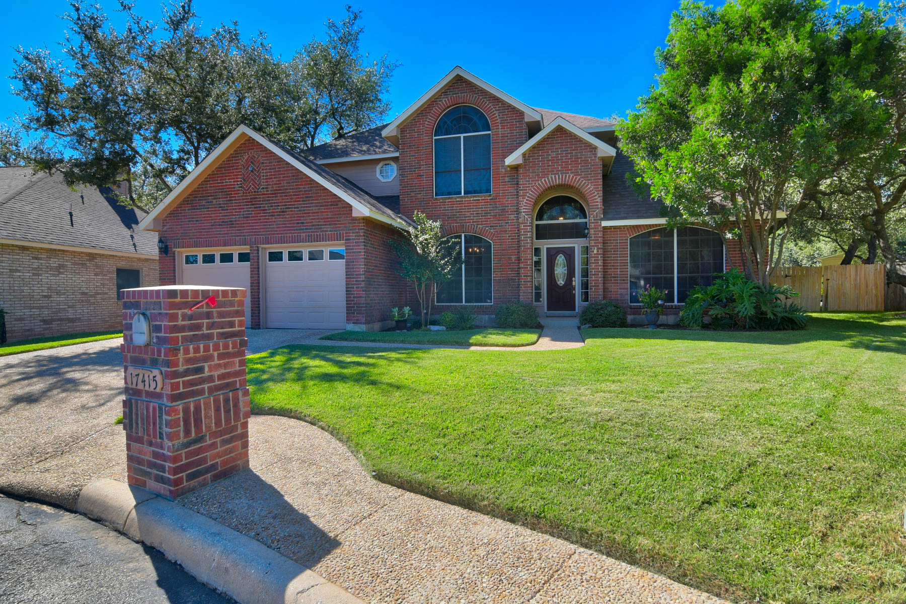 Casa Unifamiliar por un Venta en A Show Stopper in Canyon Creek Bluff 17415 Canyon Breeze Dr San Antonio, Texas 78248 Estados Unidos