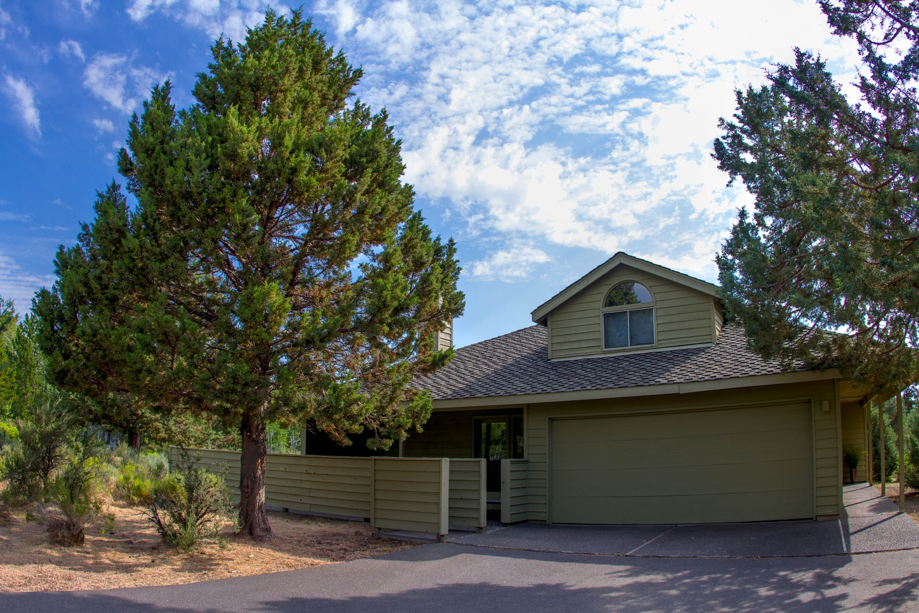 Nhà ở một gia đình vì Bán tại 19675 Sunshine Way, BEND Bend, Oregon 97702 Hoa Kỳ