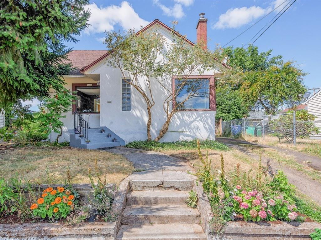 Nhà ở một gia đình vì Bán tại 1011 71ST AVE, PORTLAND 1011 NE 71ST Ave Portland, Oregon 97213 Hoa Kỳ