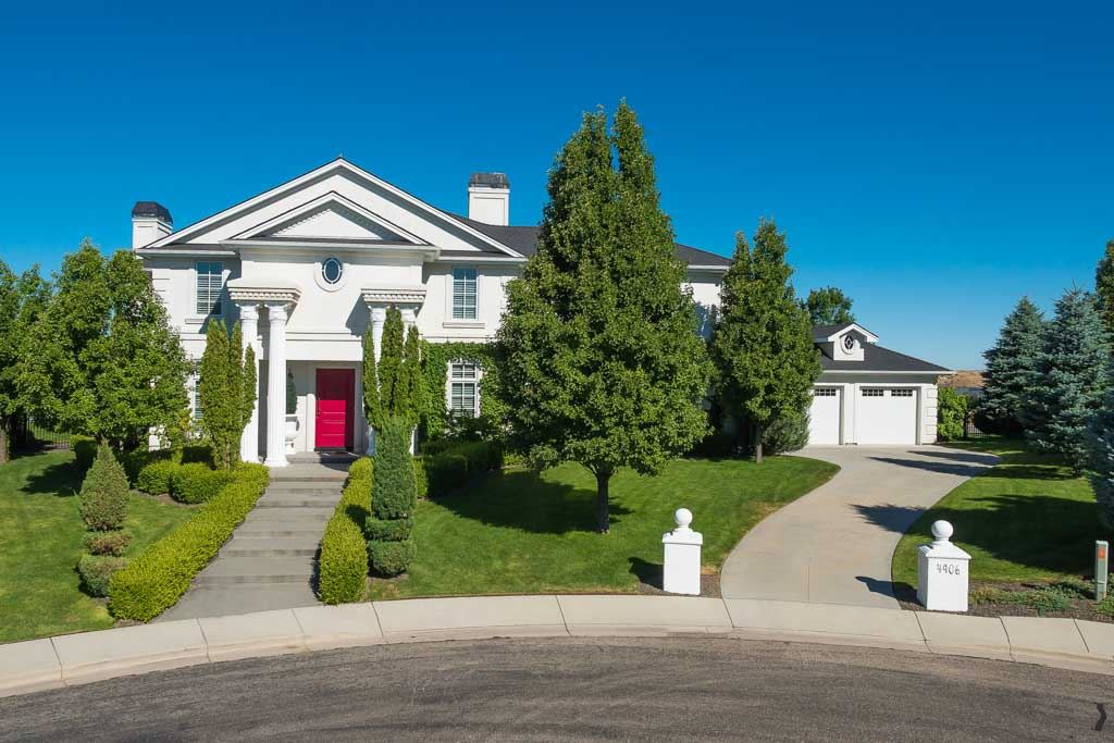 Single Family Home for Sale at 4906 Quail Summit Way, Boise 4906 N Quail Summit Way Boise, Idaho, 83703 United States