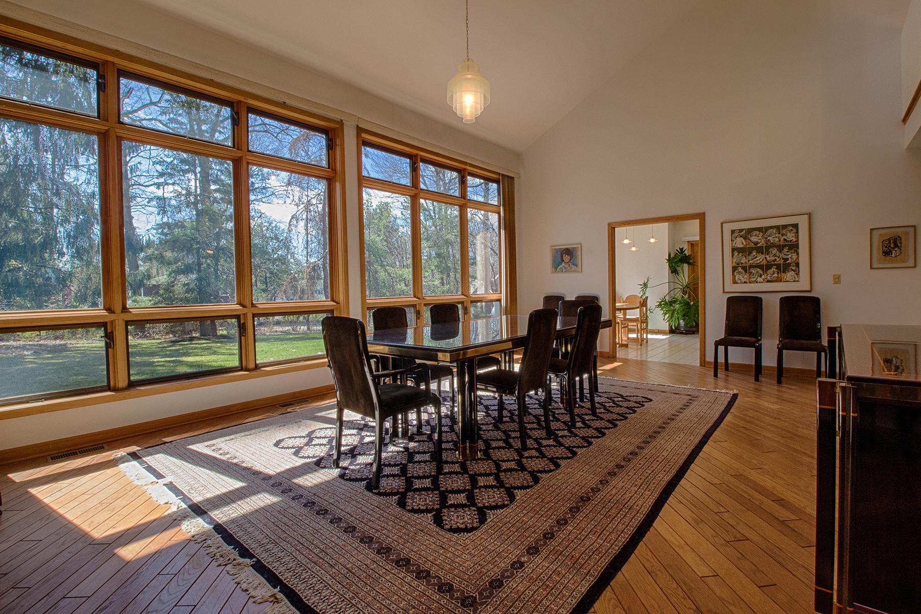 独户住宅 为 销售 在 Spectacular Contemporary Home 78 Hampton St Delmar, 纽约州 12054 美国