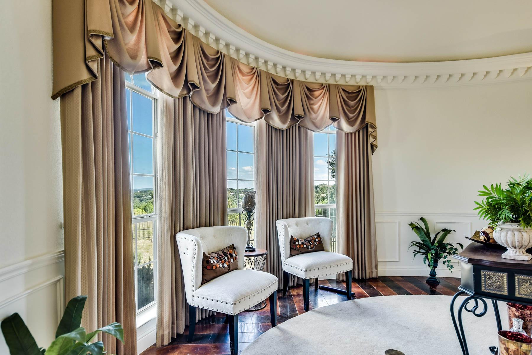 Additional photo for property listing at Lake Views in Oak Shores Estates 195 Scarlet Ct Canyon Lake, Texas 78133 Estados Unidos