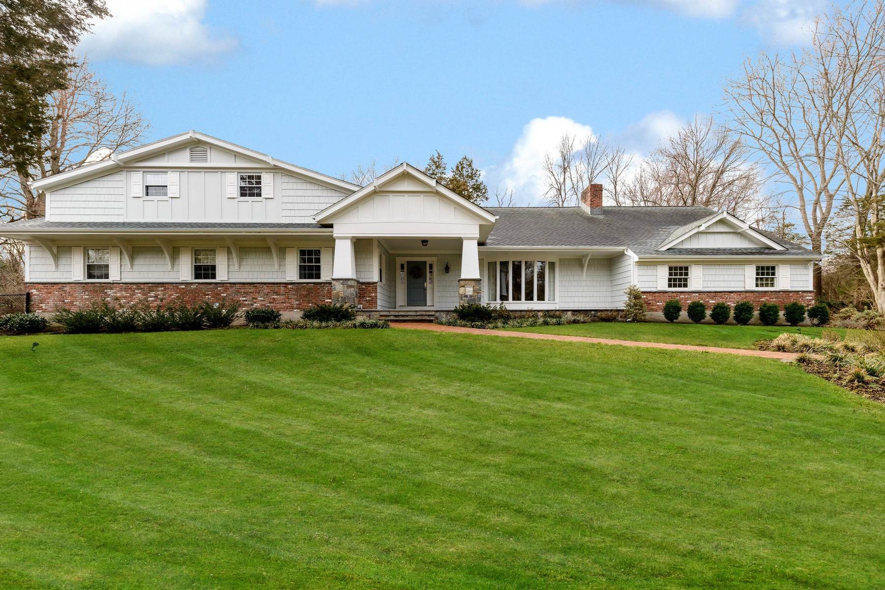 Single Family Home for Sale at Farm Ranch 5 Pippin Ln Lloyd Harbor, New York, 11743 United States