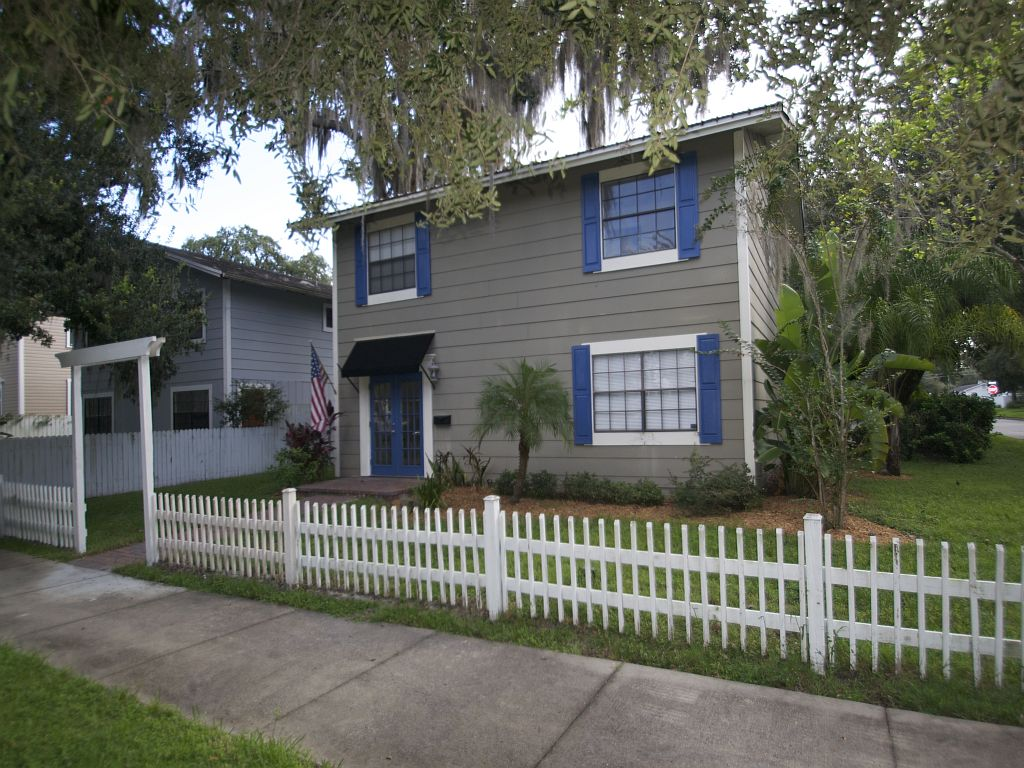 Casa para uma família para Venda às Sanford, Florida 1015 Oak Avenue Sanford, Florida, 32771 Estados Unidos