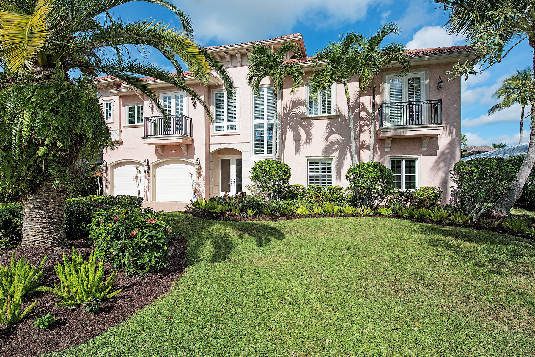 Single Family Home for Sale at VANDERBILT BEACH - CONNERS 187 Bayview Ave Naples, Florida 34108 United States