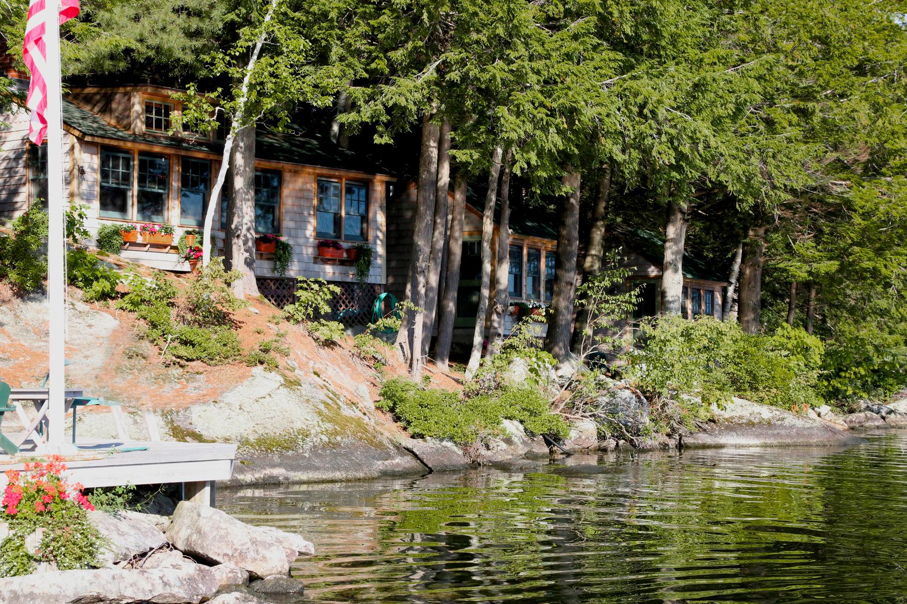 Vivienda unifamiliar por un Venta en Melrose Landing 27 Great Island Newbury, Nueva Hampshire 03255 Estados Unidos