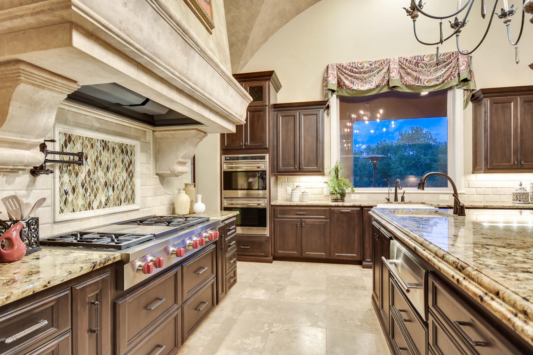 Additional photo for property listing at Breathtaking Estate in Greystone Estates 19418 Settlers Crk San Antonio, Texas 78258 Estados Unidos