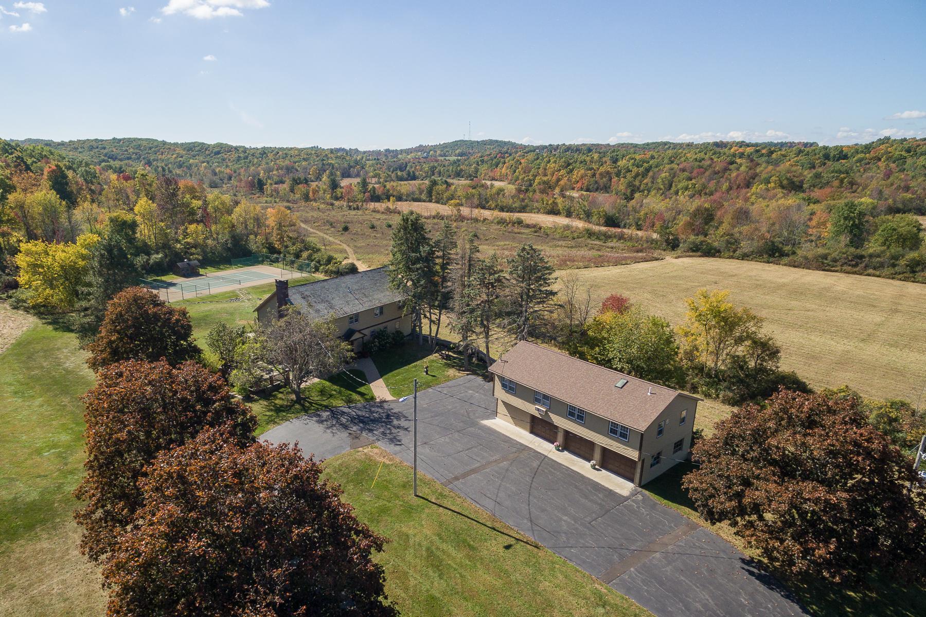 Частный односемейный дом для того Продажа на Custom Home on 67 Acres in Stillwater 411 Cedar Bluff Rd Stillwater, 12170 Соединенные Штаты