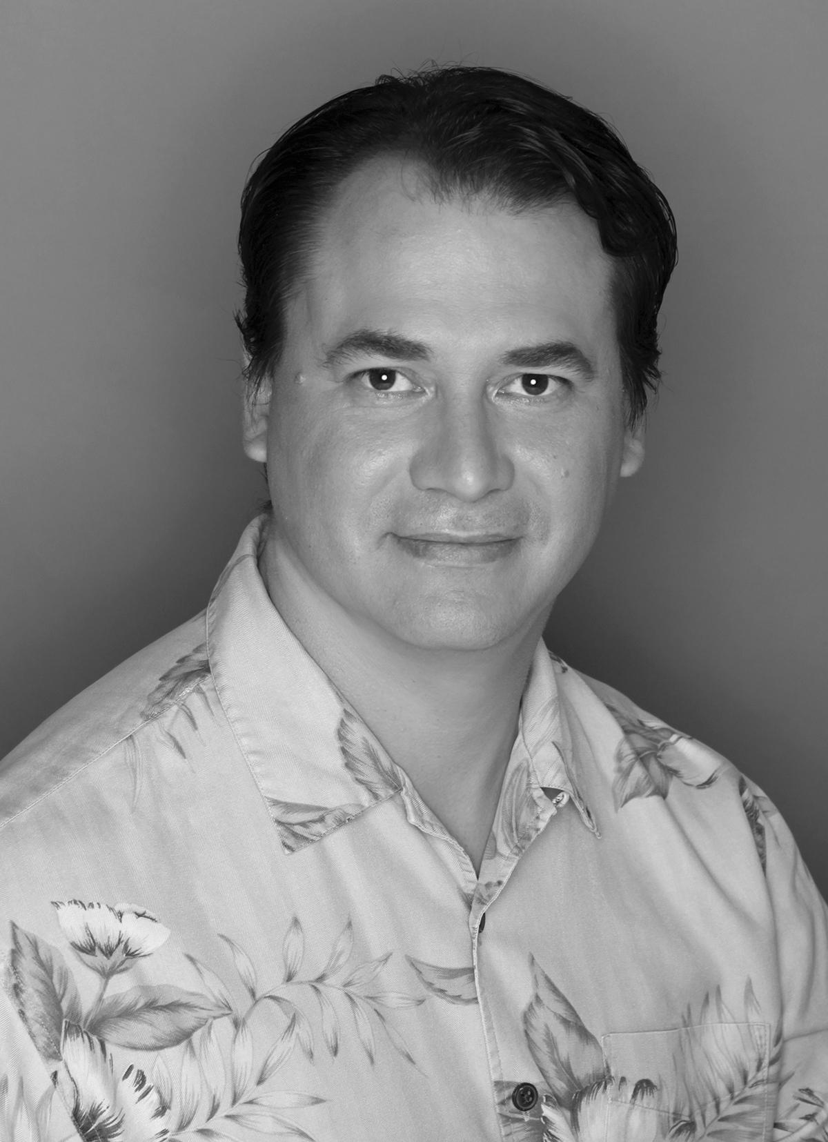 Ian W P Rasor