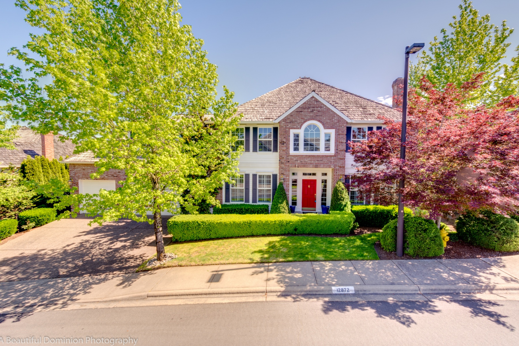 独户住宅 为 销售 在 12872 NW LILYWOOD, PORTLAND 12872 NW LILYWOOD Dr 波特兰, 俄勒冈州, 97229 美国