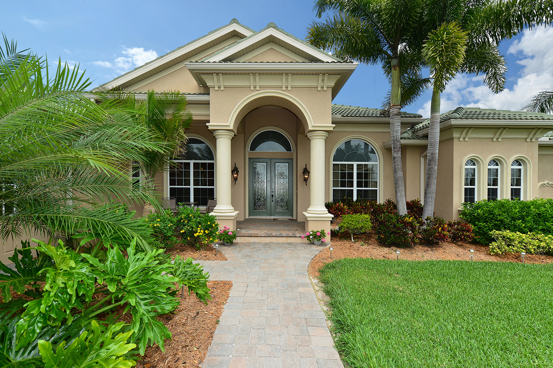 Maison unifamiliale pour l Vente à PRESERVE AT PANTHER RIDGE 22531 Morning Glory Cir Bradenton, Florida 34202 États-Unis