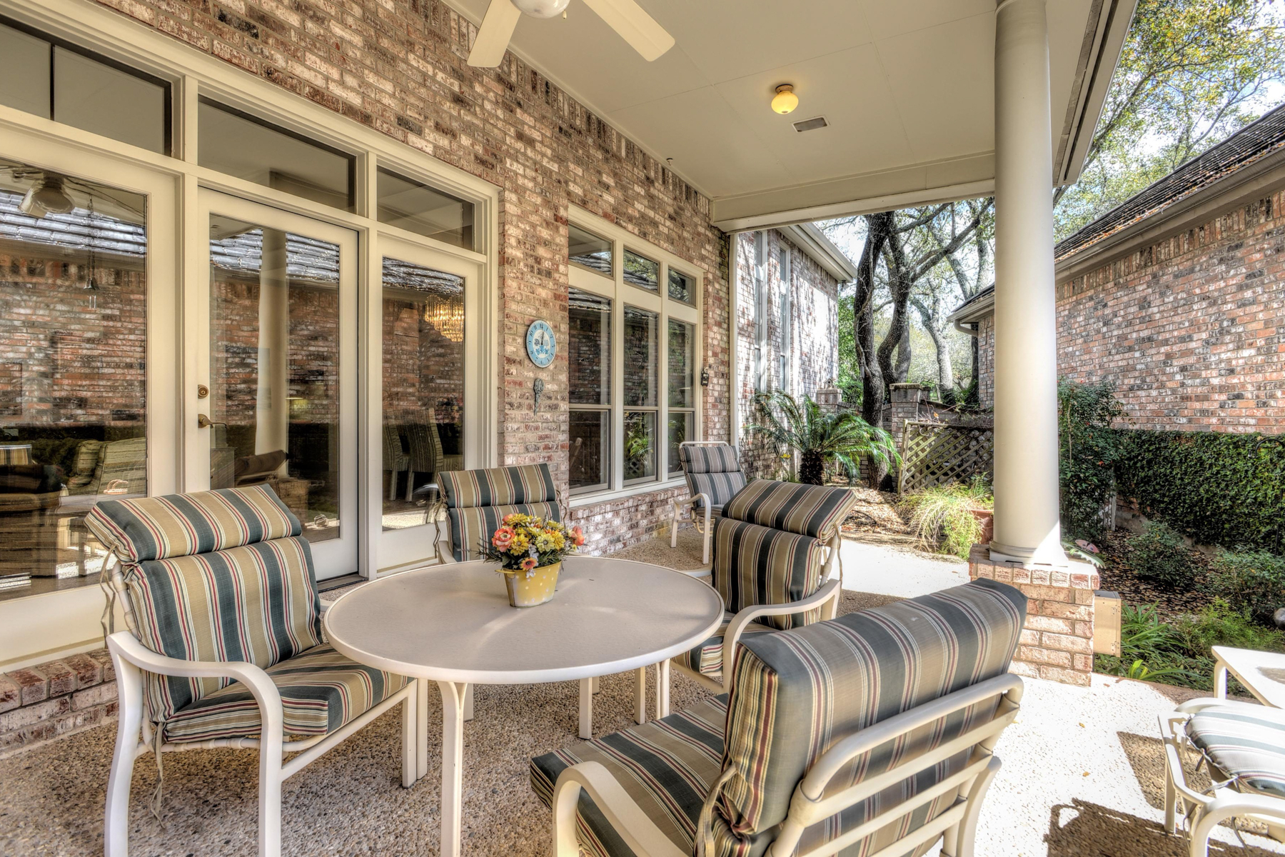 Additional photo for property listing at Stunning Dominion Garden Home 4 Hendon Ln San Antonio, Texas 78257 United States