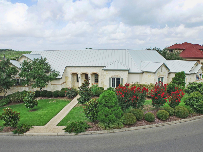 Property For Sale at Gorgeous One-Story Custom Home in The Pinnacle