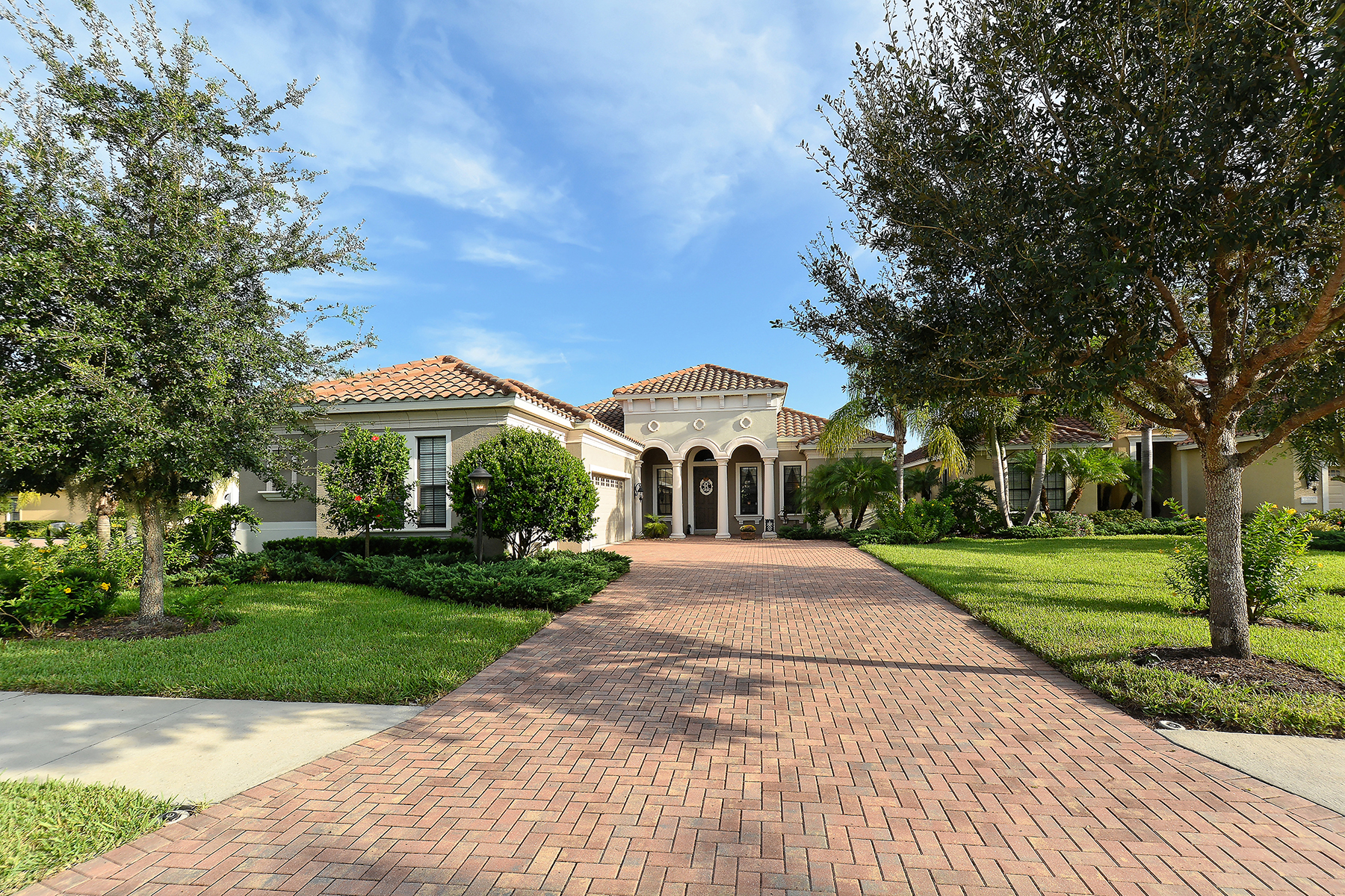 Casa Unifamiliar por un Venta en LAKEWOOD RANCH 12705 Stone Ridge Pl Lakewood Ranch, Florida 34202 Estados Unidos