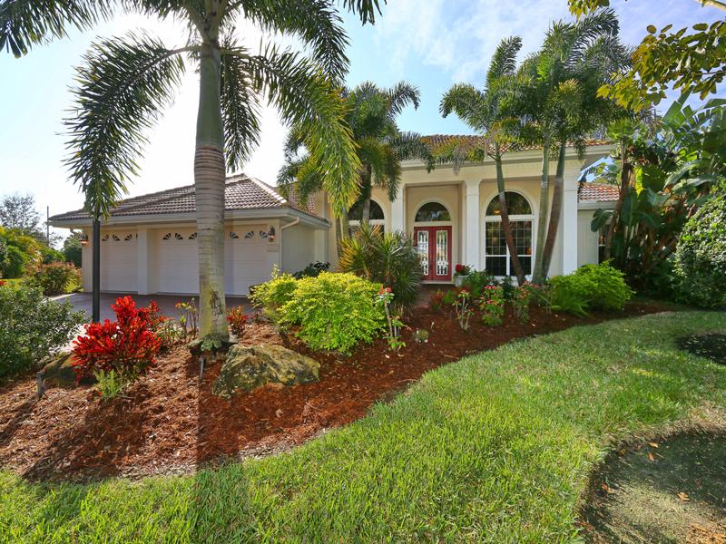 Частный односемейный дом для того Продажа на HAMMOCKS 7992 Megan Hammock Way Sarasota, Флорида 34240 Соединенные Штаты