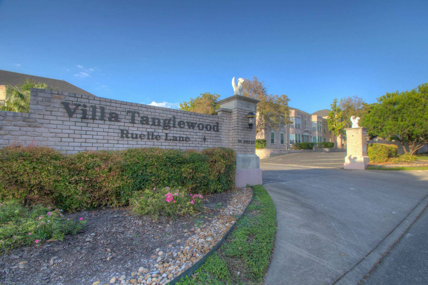 sales property at Lovely First Floor Unit in Alamo Heights