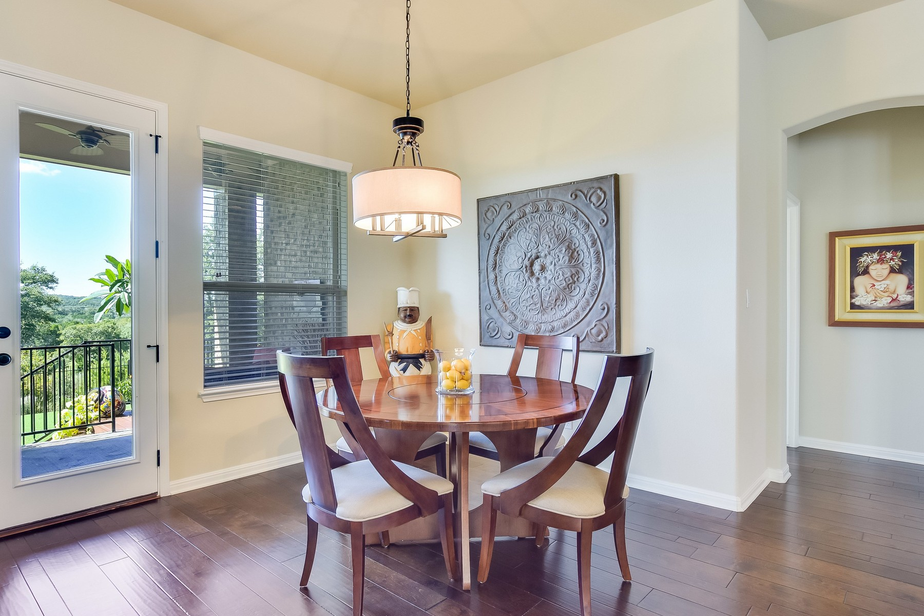 Additional photo for property listing at Stunning Home in Neighborly Reunion Ranch! 306 Emma Loop Austin, Texas 78737 United States