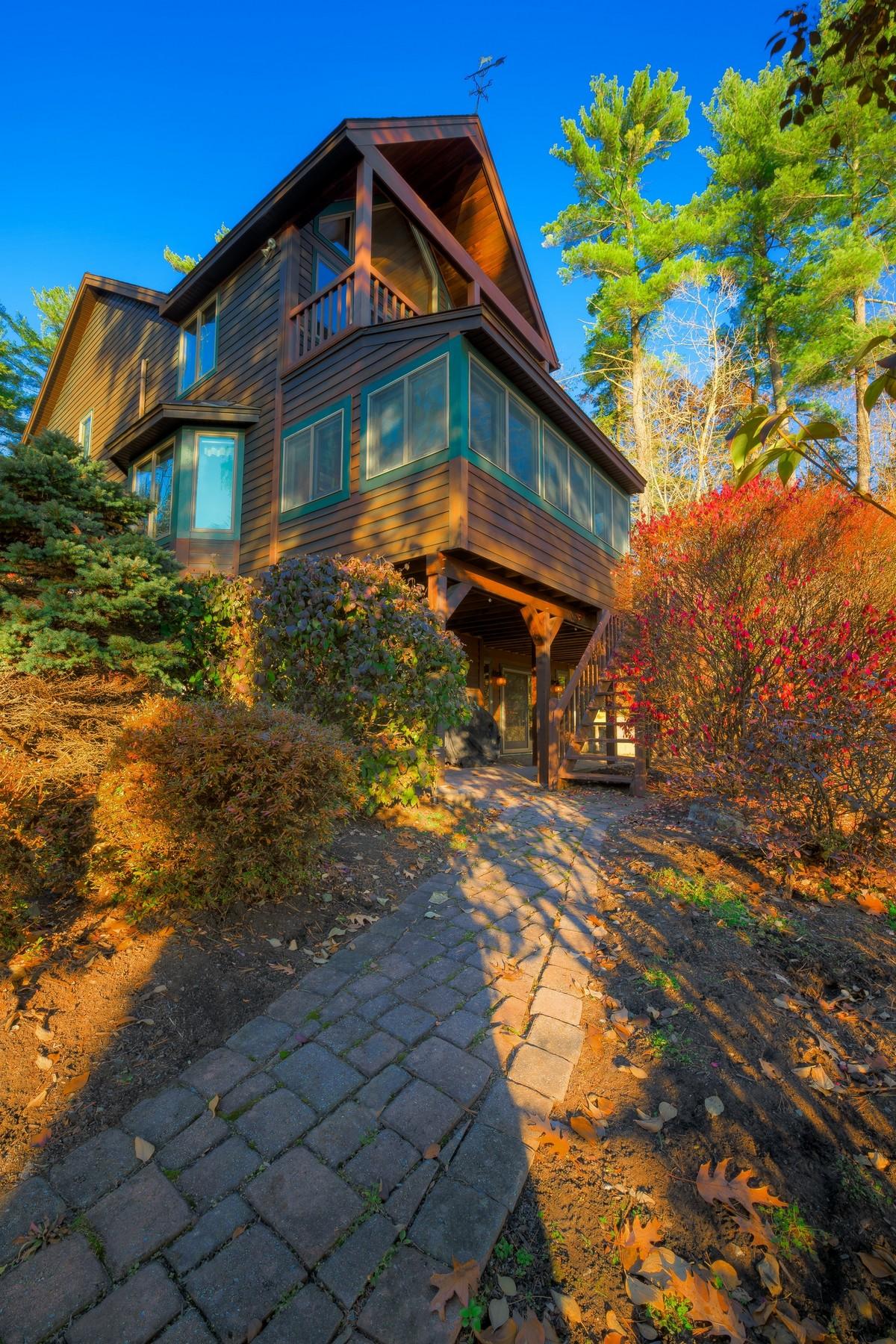 Additional photo for property listing at Lake George Waterfront 69  Vandecar La 乔治湖, 纽约州 12845 美国