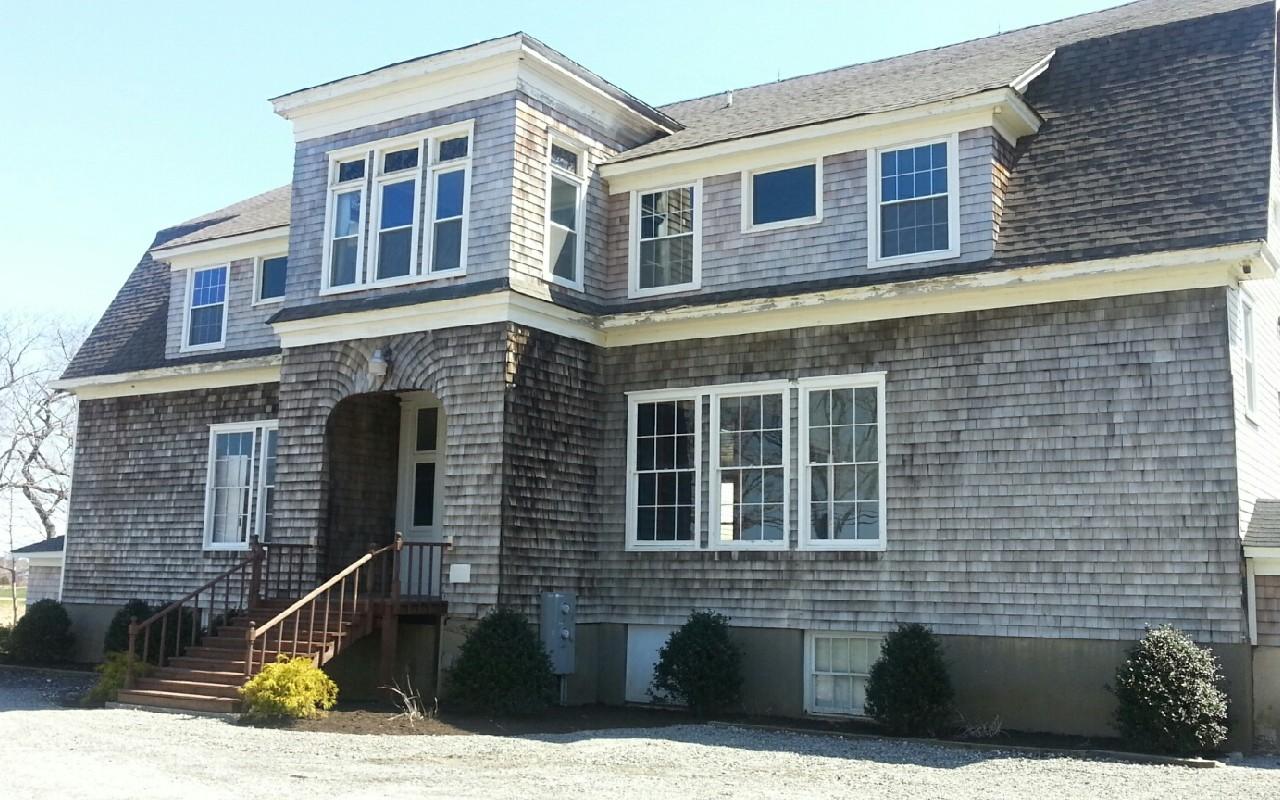 Maison unifamiliale pour l Vente à Other 5117 Sound Ave Riverhead, New York 11901 États-Unis