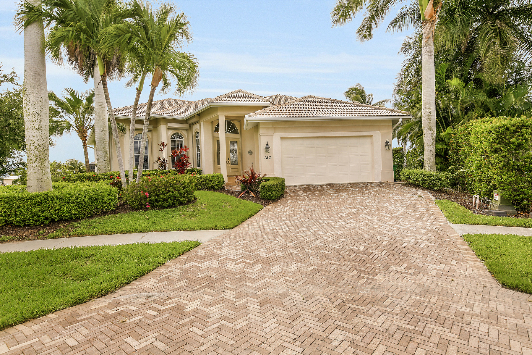 sales property at MARCO ISLAND - PEACH COURT