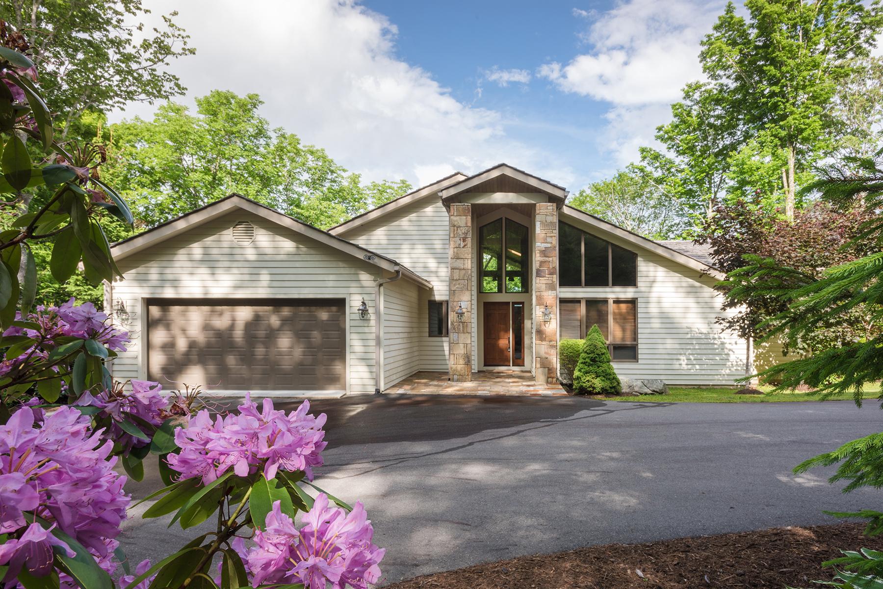 Maison unifamiliale pour l Vente à LINVILLE RIDGE 1138 Vista Way Linville, Carolina Du Nord 28646 États-Unis