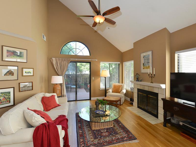 Casa para uma família para Venda às 7 Valley West Cir, Napa, CA 94558 7 Valley West Cir Napa, Califórnia 94558 Estados Unidos