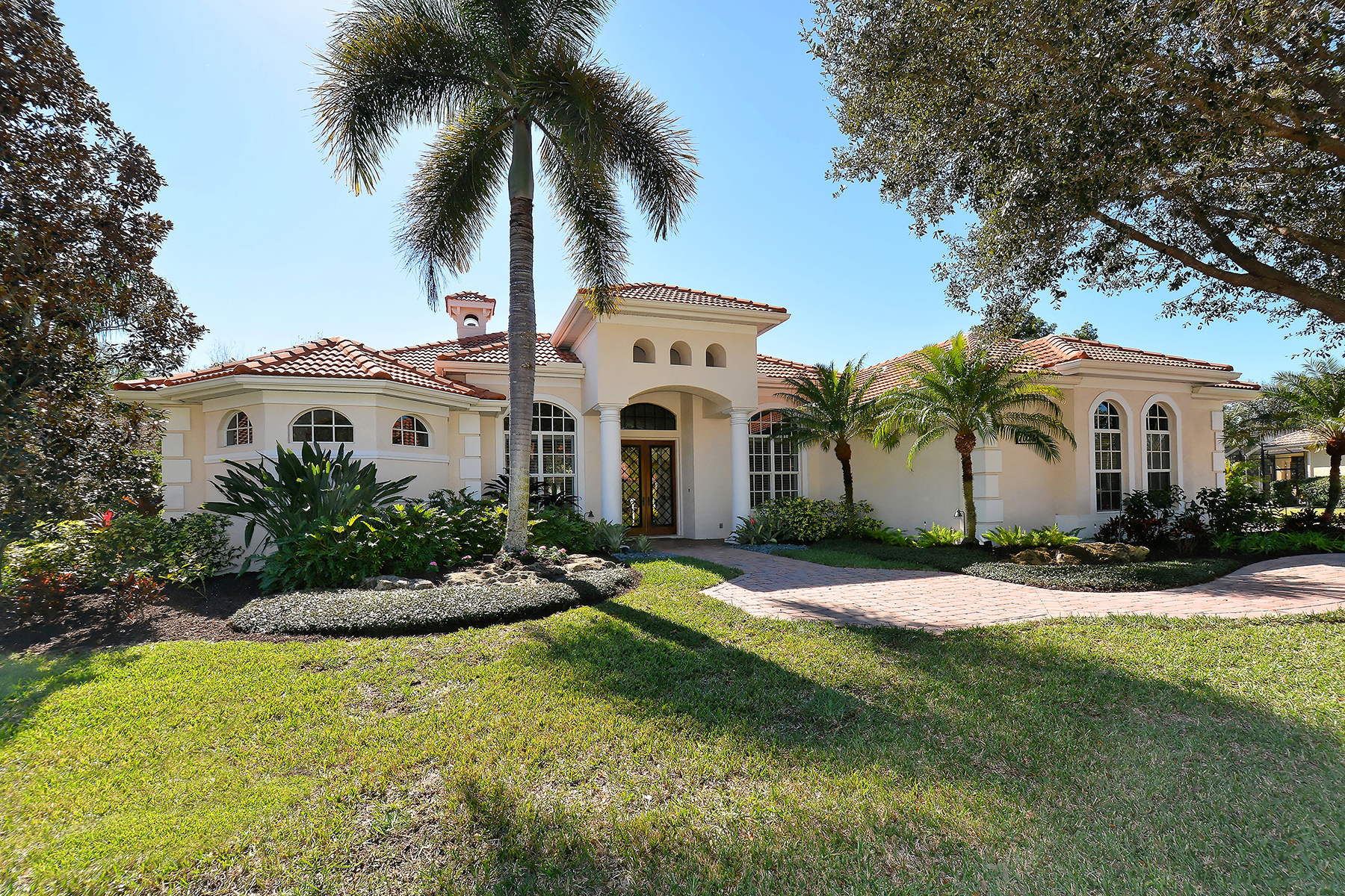 Single Family Home for Sale at CANTERBURY AT LAKEWOOD RANCH COUNTRY CLUB 7028 Beechmont Terr Lakewood Ranch, Florida, 34202 United States