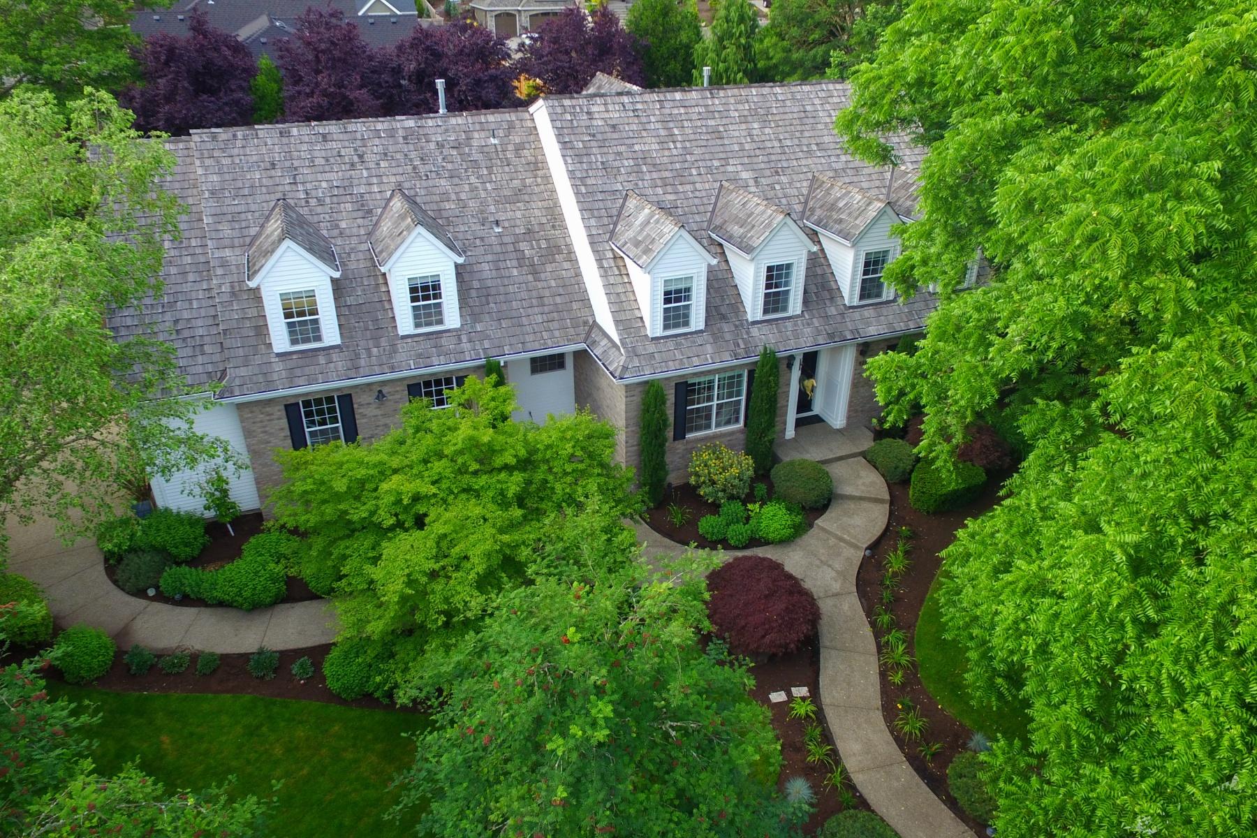 独户住宅 为 销售 在 13017 KNAUS RD, LAKE OSWEGO 奥斯威尔湖, 俄勒冈州, 97034 美国