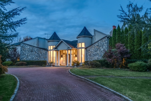 Single Family Home for Sale at Other 5 Trusdale Dr Old Westbury, New York, 11568 United States