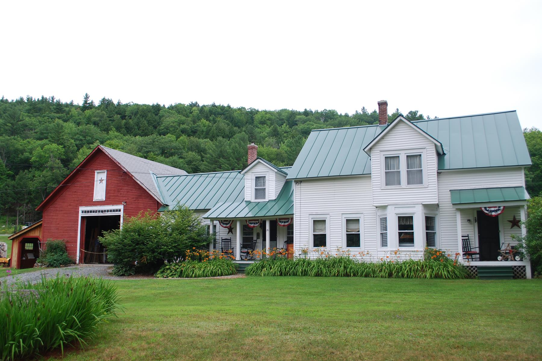 Single Family Home for Sale at 24 Old Goshen Rd, Newport Newport, New Hampshire, 03773 United States