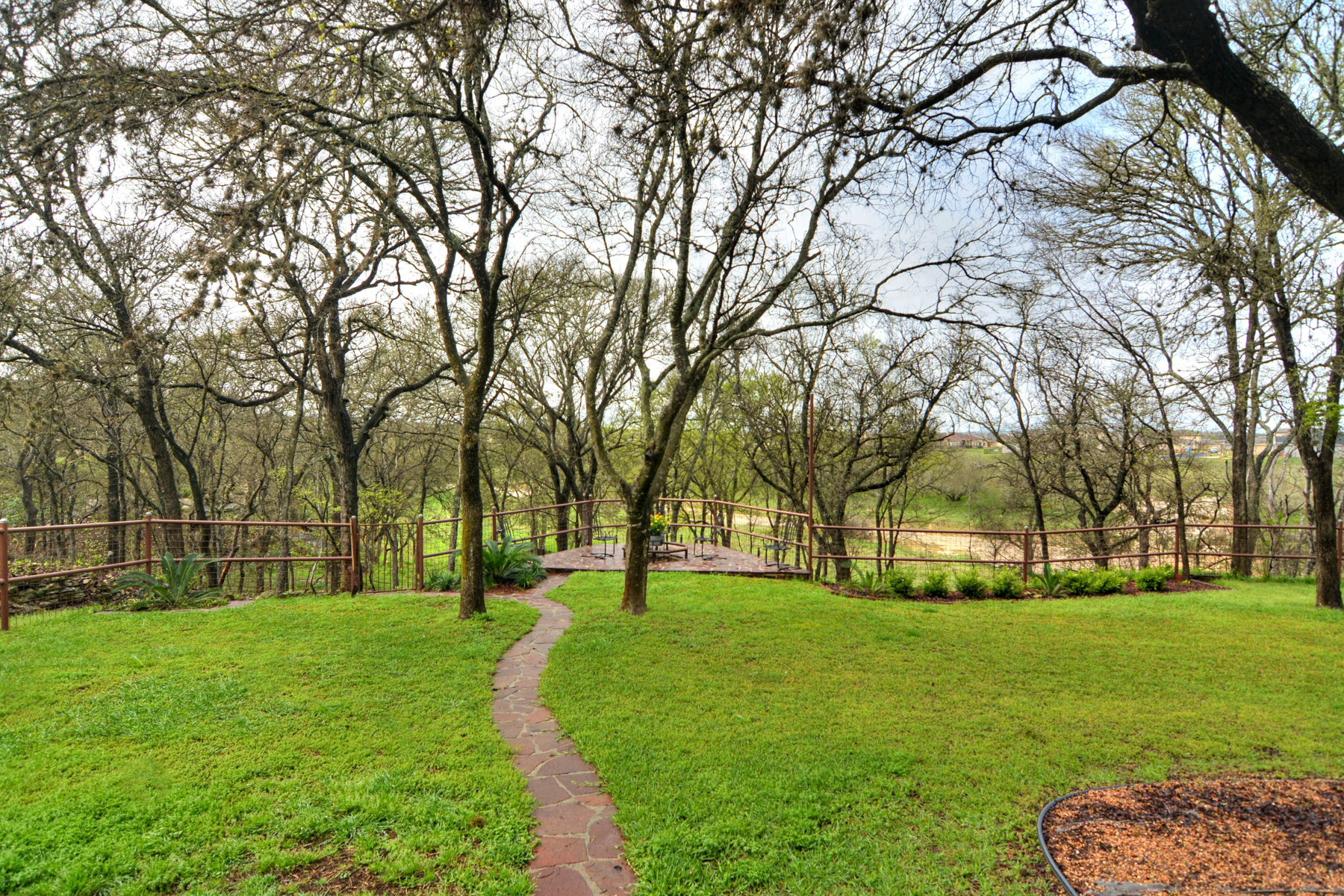 Additional photo for property listing at Beautiful Home in Fair Oaks Ranch 29825 Windchime Hill Fair Oaks Ranch, Texas 78015 Estados Unidos