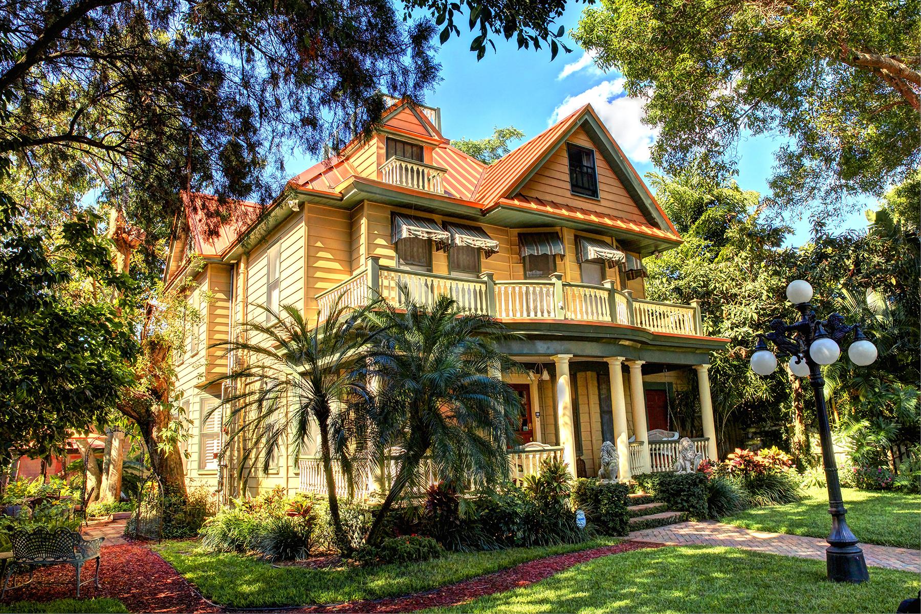 独户住宅 为 销售 在 OLD NORTHEAST 237 6th Ave NE 圣彼得堡, 佛罗里达州, 33701 美国