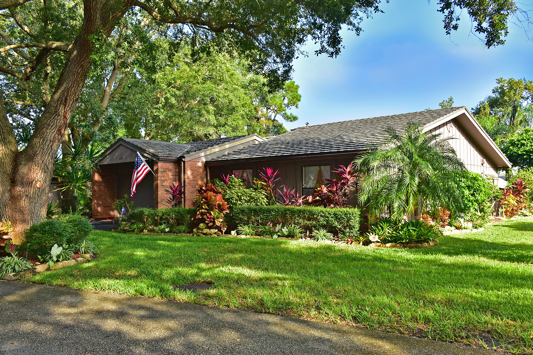 Single Family Home for Sale at THE OAKS 6114 Willow Oak Cir 41 Bradenton, Florida 34209 United States