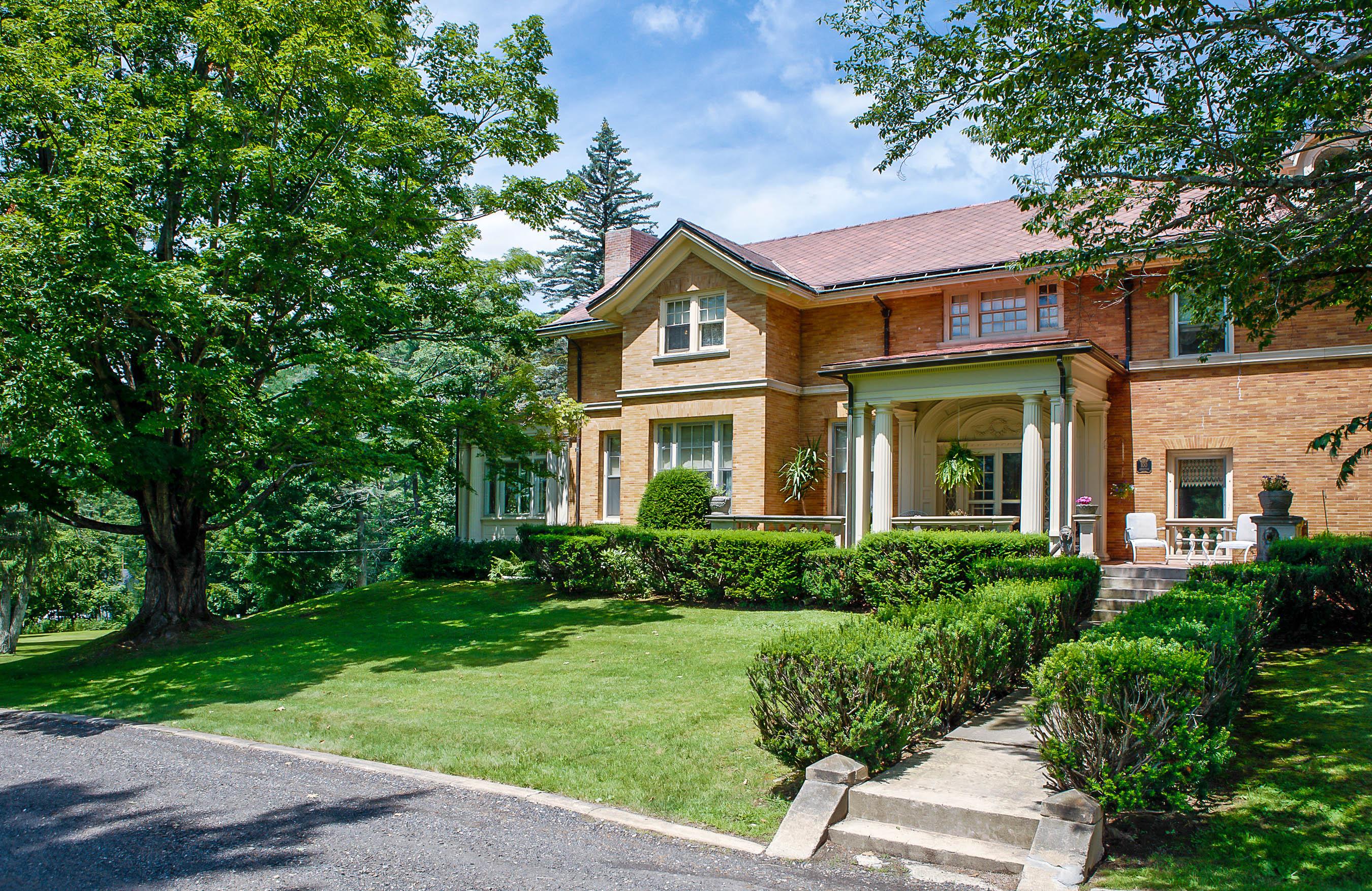 獨棟家庭住宅 為 出售 在 Manor on the Hill Vilas Rd Alstead, 新罕布什爾州 03602 美國