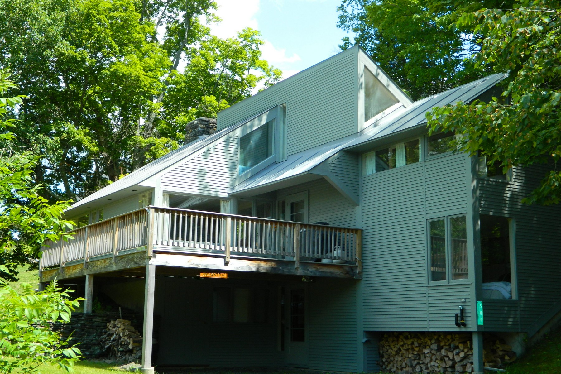 단독 가정 주택 용 매매 에 Slopeside on Burke Mountain 589 Alpine Ln Burke, 베르몬트, 05832 미국